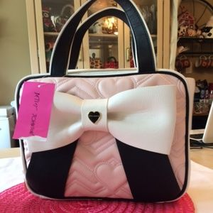 NWT Betsey Johnson Quilted Heart Travel Bag